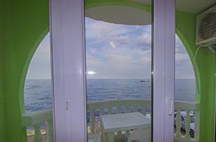 Вид на балкон отеля